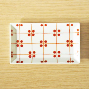 格子四弁花紋 長角小皿(赤)