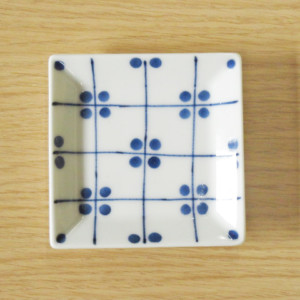 格子四弁花紋 3.5寸角皿(青)
