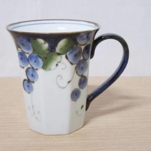 色絵ぶどう八角(青)・マグカップ