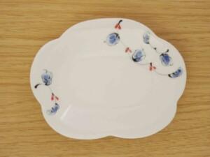 唐草紋 花型皿(小)