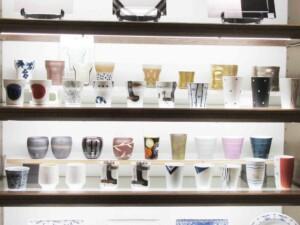 しのえい陶磁器のフリーカップコーナー3